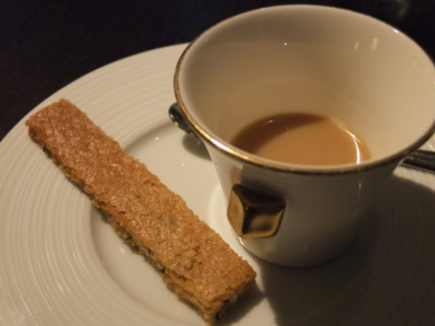 smoked earl gray ganache at dinner by heston blumenthal