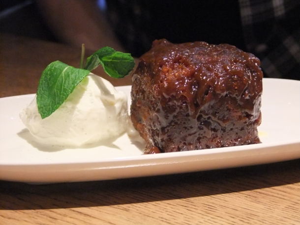sticky toffee pudding at the crown and sceptre fitzrovia