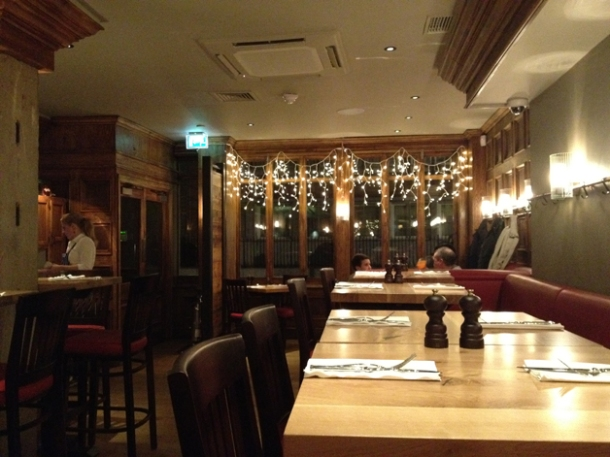 interior of burger & lobster