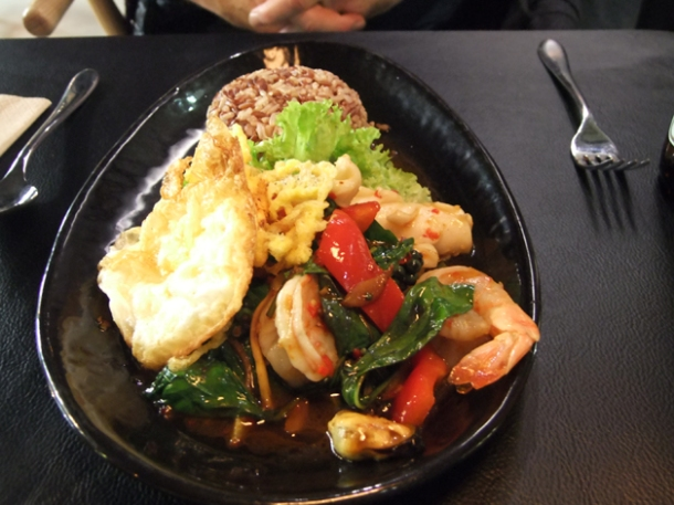 mixed seafood sauteed at suda