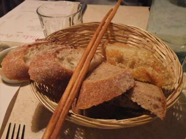 bread basket at mele e pere