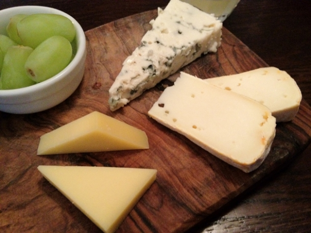 roquefort, reblochon and comté at côte