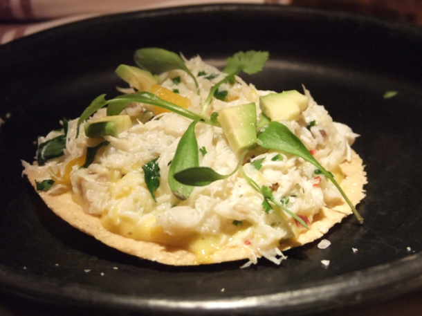 crab tostadita at la bodega negra