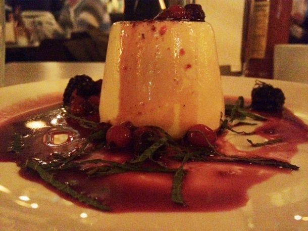 vanilla pannacotta and hibiscus fruits at La Bodega Negra