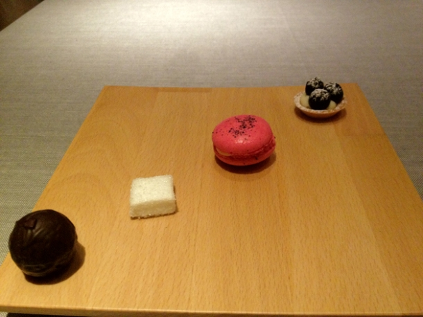 petit fours at saüc