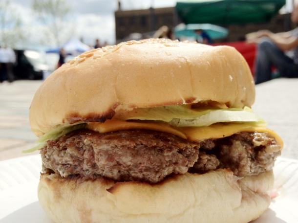 bleecker single patty cheeseburger