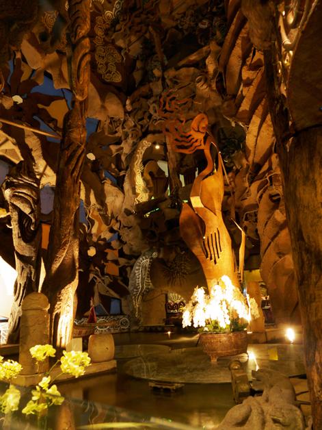 decor inside five cent driftwood house