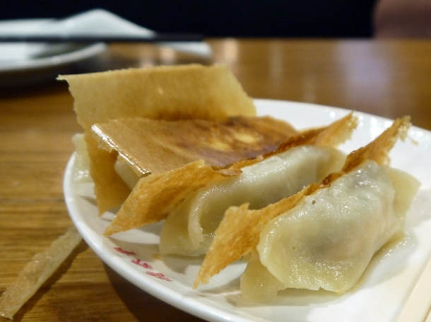 grilled prawn dumplings at din tai fung taipei 101