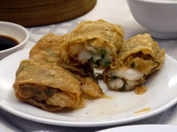 fried tofu wrap filled with prawns at citystar taipei