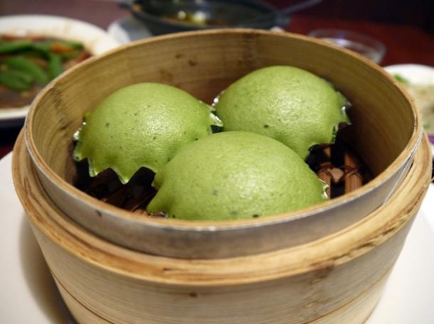 steamed green tea cakes at taiwan new paradise banana