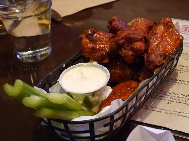 buffalo wings at blt burger