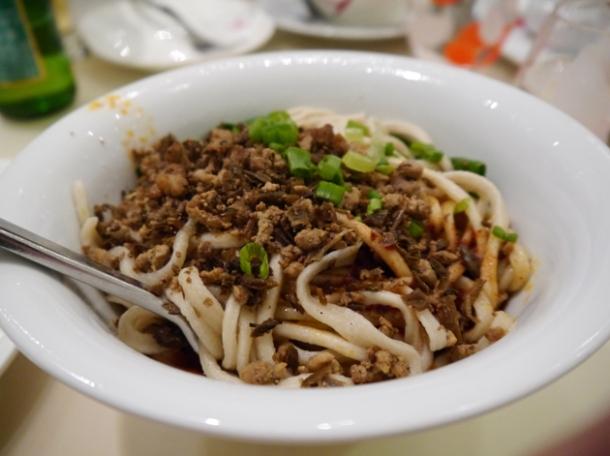 sichuanese dan dan noodles at beijing noodle no 9