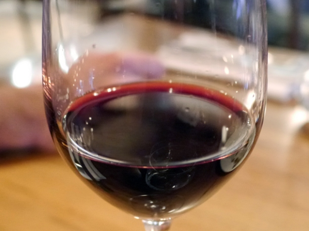 glass of 2009 syrah from tierra de castilla by casa delle valle at pizarro