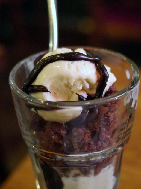 brownie sundae at porky's
