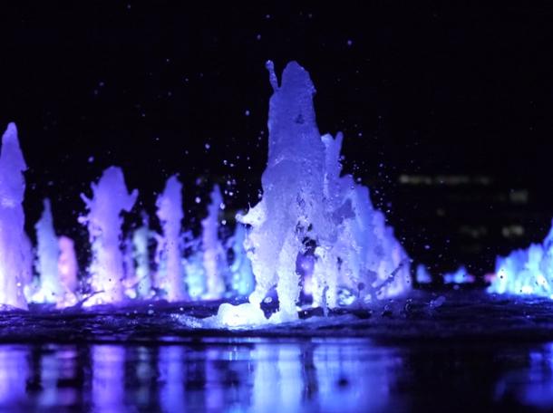 granary square fountain