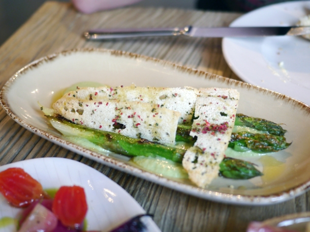 seared asparagus with melba toast at grain store king's cross