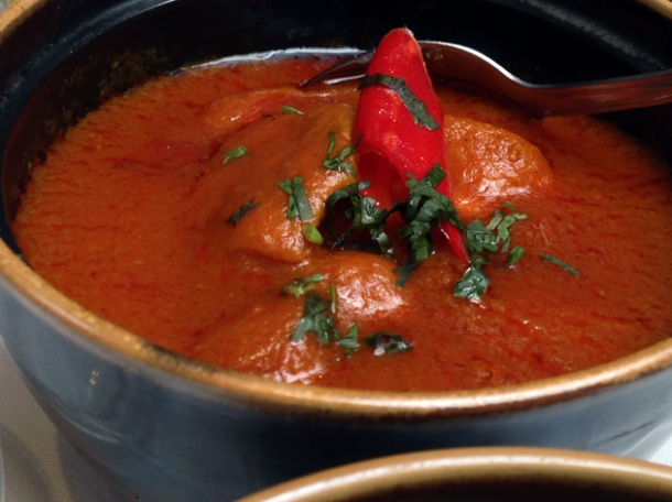 chicken curry at the red fort