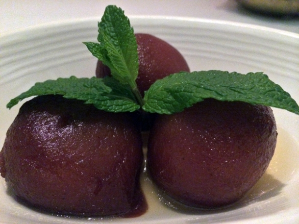 gulab jamun at the red fort