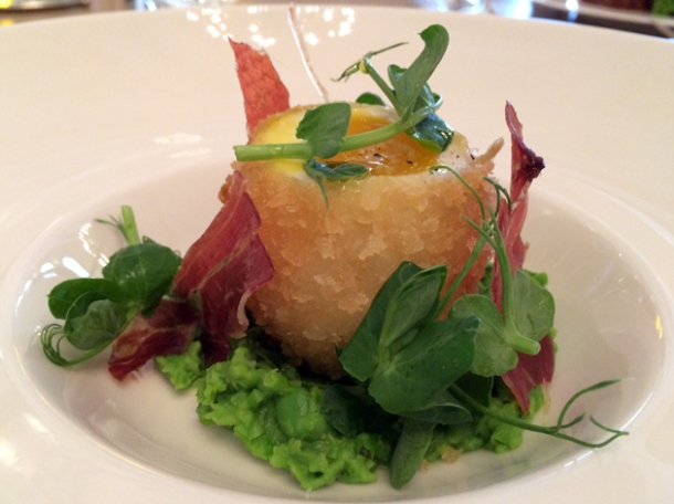 egg, ham and peas at berners tavern