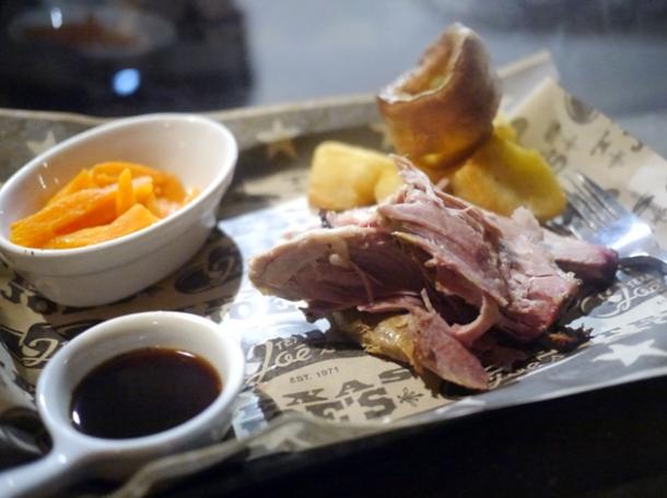 pork shoulder sunday roast at texas joe's brewdog shoreditch