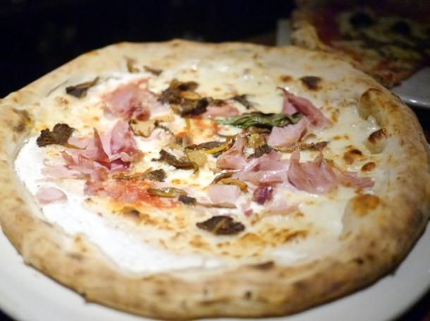 gloucester old spot ham, mozzarella, ricotta and mushrooms pizza at franco manca