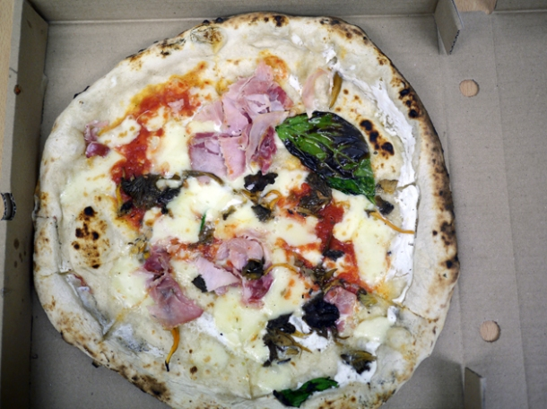 gloucester old spot ham, mozzarella, ricotta and mushrooms pizza from franco manca