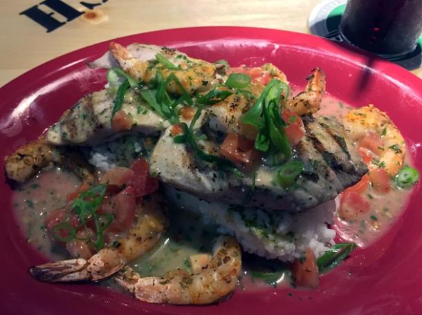 shrimp and mahi mahi at bubba gump