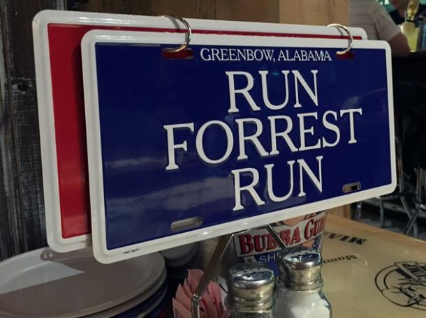 table signs at bubba gump