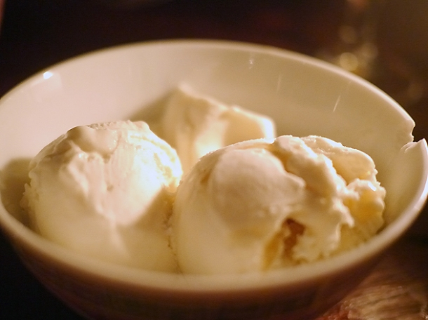 vanilla ice cream at smoking goat