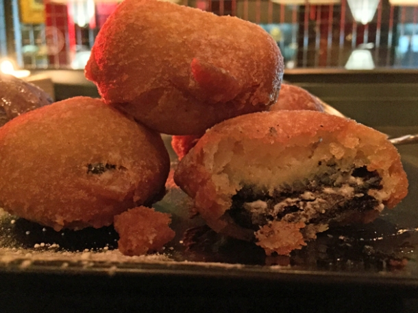 inside deep fried oreos at hotbox