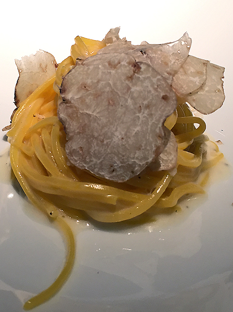 spaghetti carbonara with white truffle at pipero al rex