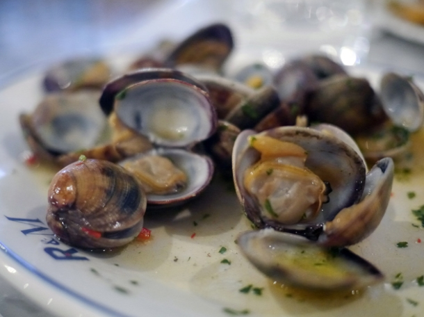 clams at rex and mariano