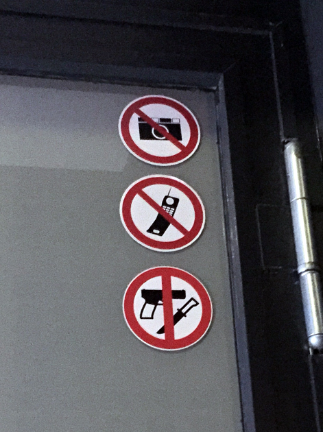 warning signs nobelhart and schmutzig