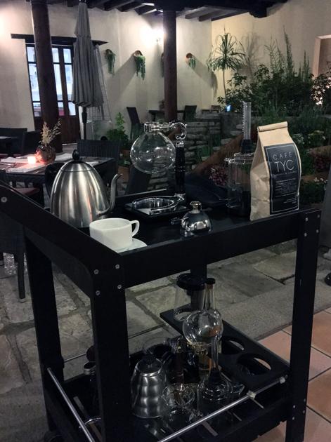 Japanese siphon coffee at tierra y cielo
