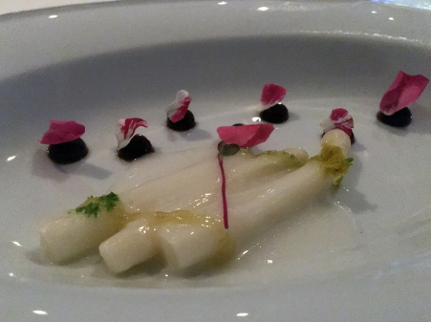 white asparagus with tamarind sauce at benazuza