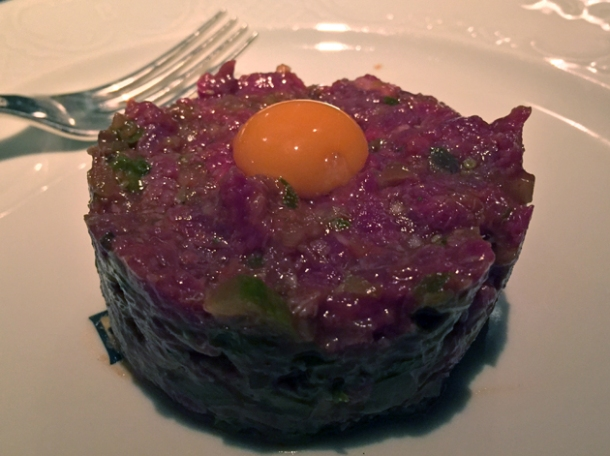 steak tartare at bellanger