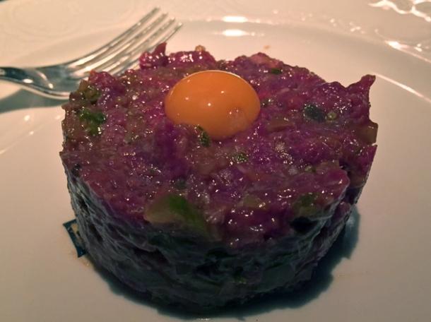 steak tartare at bellanger