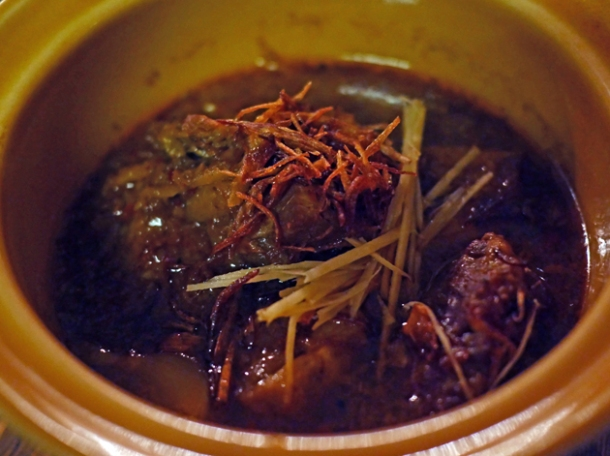 burmese pork curry at som saa