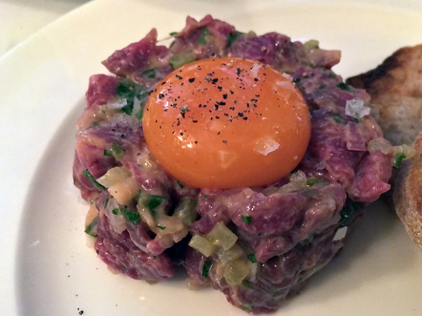 steak tartare at cafe monico