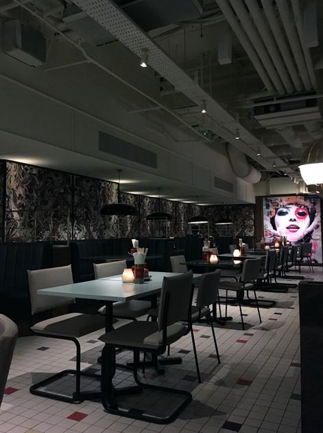 basement dining room at cha chaan teng london