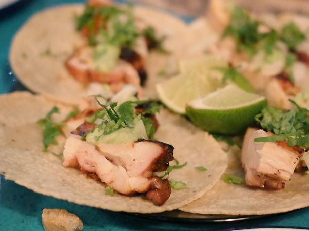 chicken tacos at el pastor borough