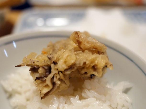 mushroom tempura at tempura tsunahachi shinjuku