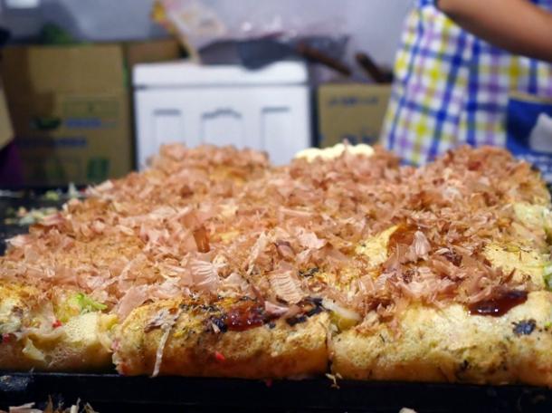 okonomiyaki from kawagoe-street-food market stall food truck