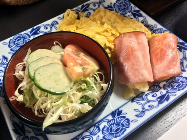 omelette with ham and egg nigiri at minshuku tsugizakura