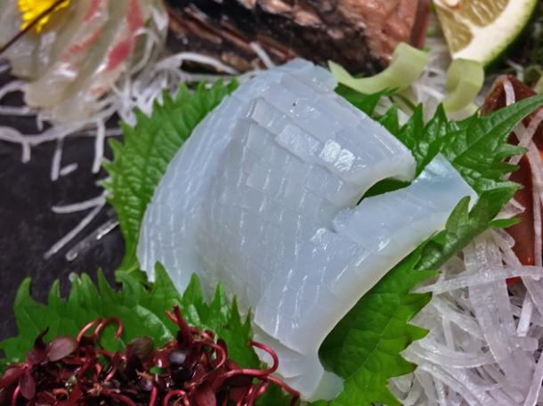squid sashimi at hotel nakanoshima wakayama
