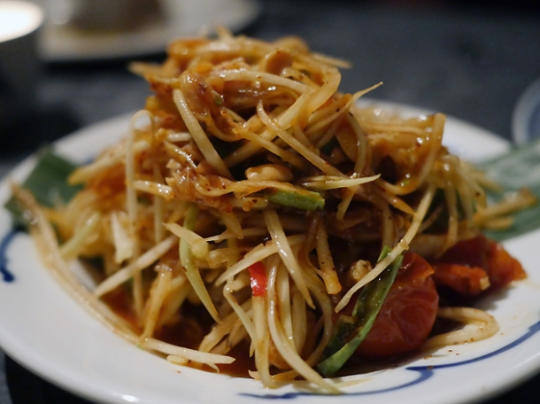 som tam salad at farang