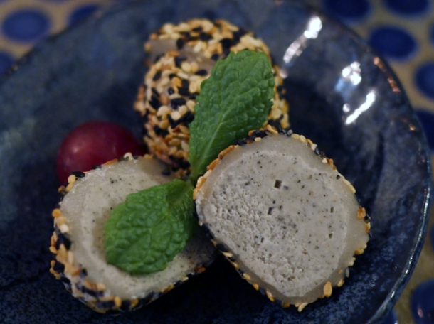 sesame mochi ice cream at jugemu
