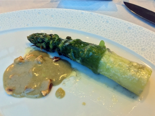 asparagus with orange confit at claude bosi bibendum