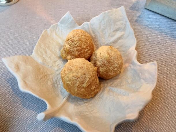 parmesan bread balls at claude bosi bibendum