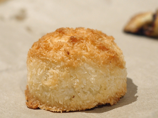 coconut macaroon from monty's deli